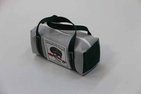 kleine Kulturtasche hellgrau dunkelgrün 25-10-10