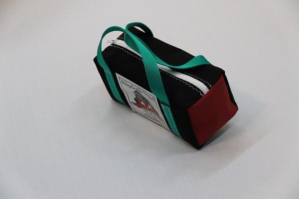 kleine Kulturtasche schwarz dunkelrot grün 25-10-10