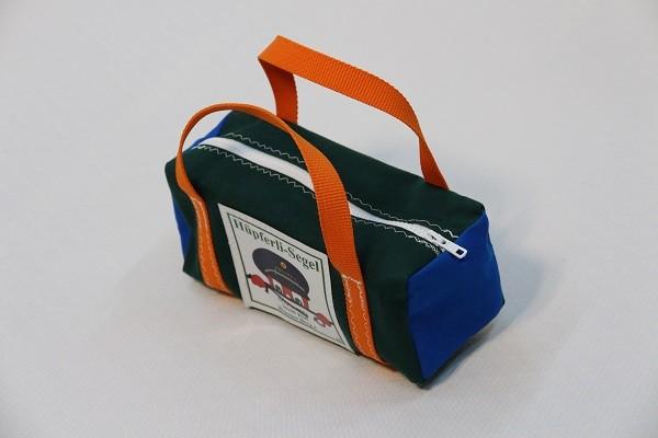 kleine Kulturtasche dunkelgrün leuchtblau orange 25-10-10