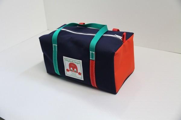 kleine Sporttasche marineblau-rot-grün 40-22-22