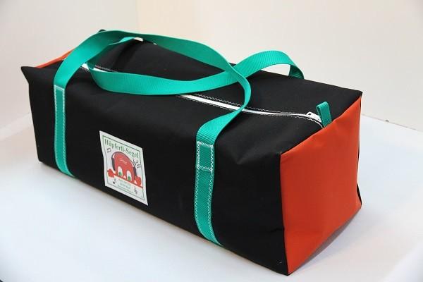Reisetasche schwarz rot grün 75-27-27