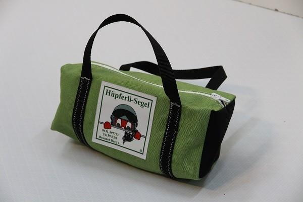 Kulturtasche mit Henkeln grasgrün schwarz 30-12-12